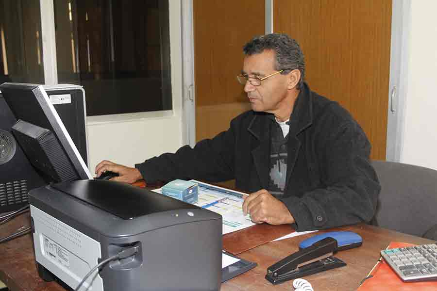 creation-site-web-algerie-SEO-hebrgenment-équipe-genhyal-Responsable-Ressources-Humainn